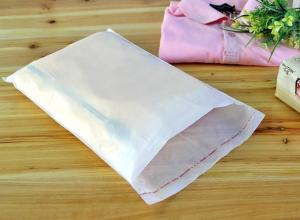 saco leitoso branco