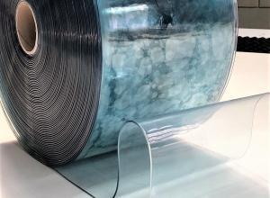 rolo de plástico transparente grosso