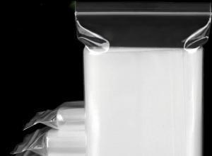 saco plástico transparente com zíper